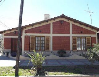 Casa sobre calle Santa Maria de Oro