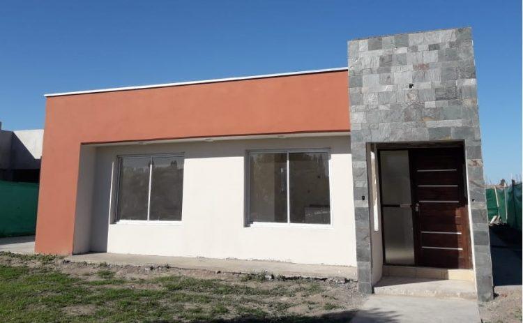 Casa a estrenar en Barrio Cortaderas de La Noria.