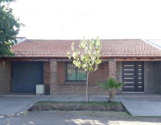 Vendo casa sobre calle Las Leñas inmediaciones calle Ricardo Rojas